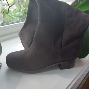 Brown suede Calvin Klein Jeans boots size 10M.
